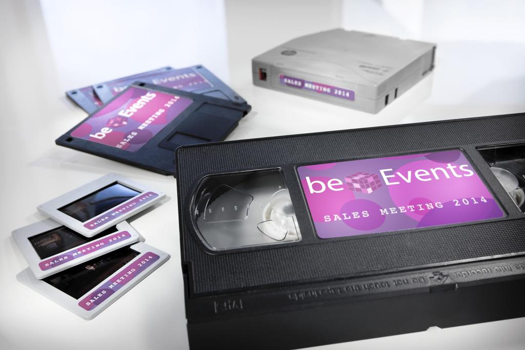 Etiketten auf VHS, Diskette u. a. m.